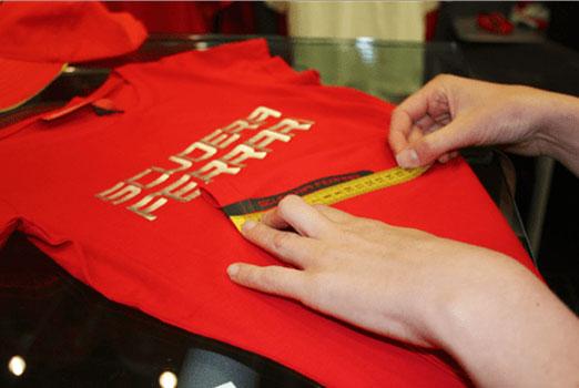 Merchandising de Ferrari. Caso de éxito de Marketing Deportivo Precisport.
